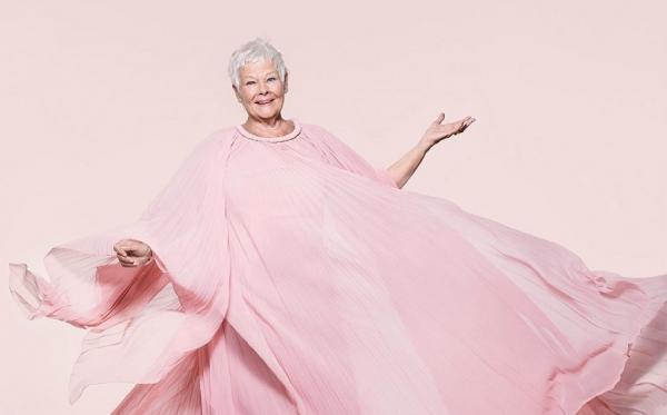 去忙、去愛、去玩!85歲《Vogue》封面影后茱蒂丹契:退休是個退步的概念