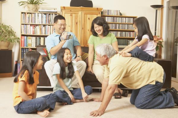 黃越綏:孩子結婚了,該規定他們固定回家看父母嗎?