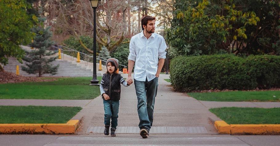 父親之所以為「父親」,不只有賦予生命,還需要有其他的意義