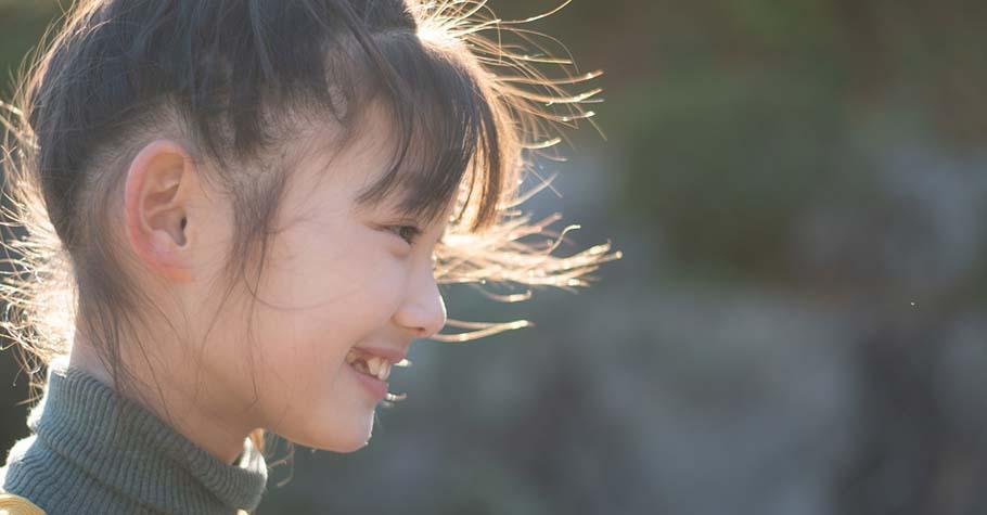 當孩子總是羡慕別人的好...父母要做的是幫助孩子建立「健康自尊」和「自我價值」