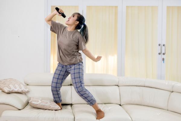 只健身不夠!唱歌對健康的11項好處 一般運動無法取代