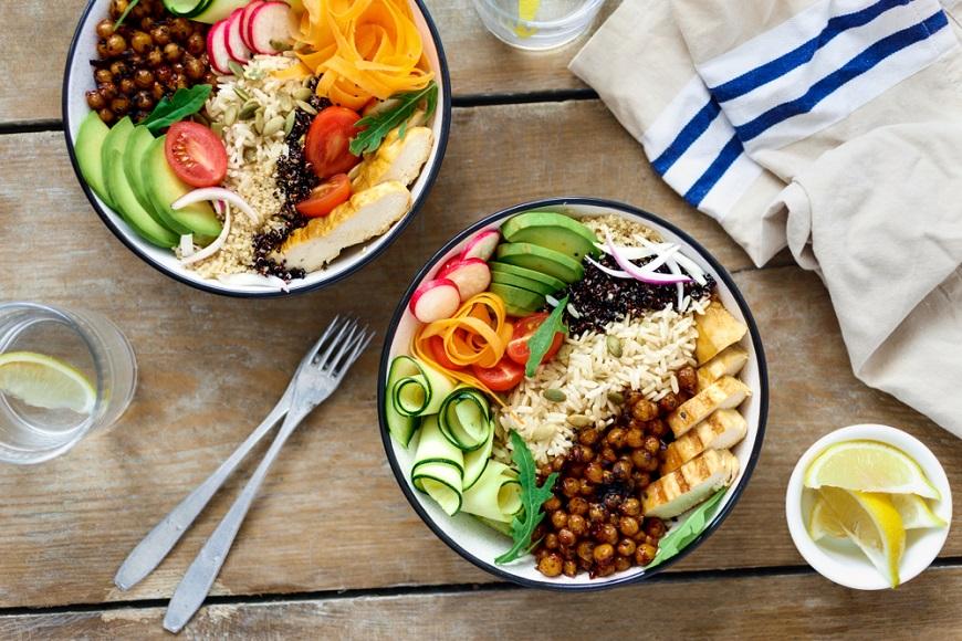 便秘、脹氣,從「吃」改善!一日三餐、男女有別的高纖飲食法