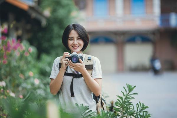 如何拍出自然美照?日攝影師:選背景有技巧,選對就成功九成