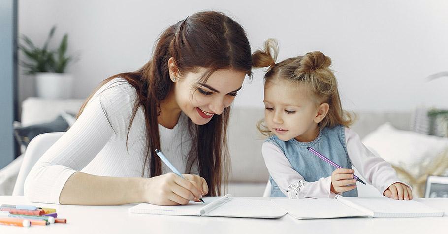 光光老師:不允許孩子動來動去,可能是埋下日後許多問題的種子,「側化」練習為孩子學齡階段 寫字學習萌芽