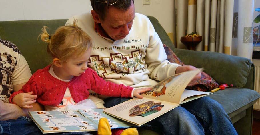 英語學習並非只交給名師或補習班就好,親子玩讀「5階段分齡建議」養出孩子英語好感度