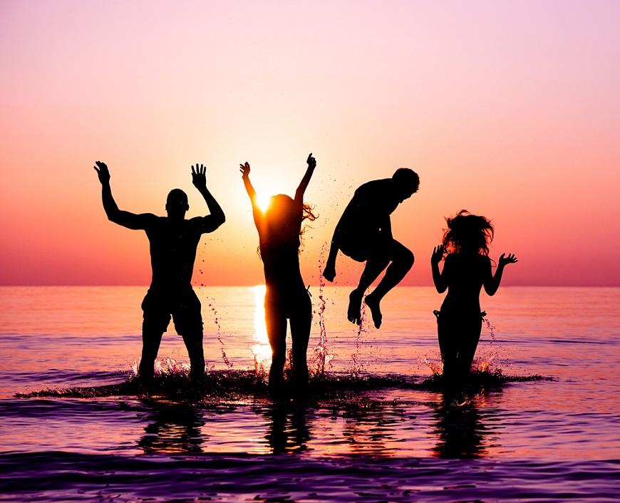 不用凡事綁在一起!施昇輝:熟年夫妻要快樂,應讓先生有哥兒們、太太有閨密