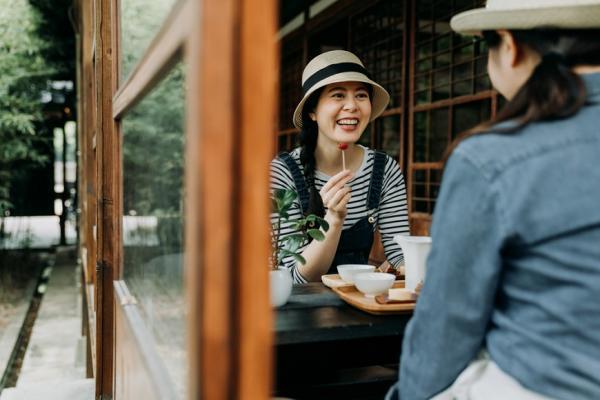 遮陽、遮白髮、做造型,50+的夏日好朋友帽子挑選法則