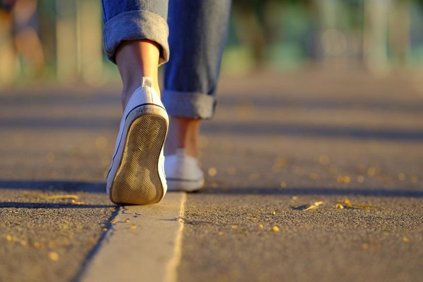走路變慢了?醫師:「衰弱症」5大指標,50後是最佳預防時機
