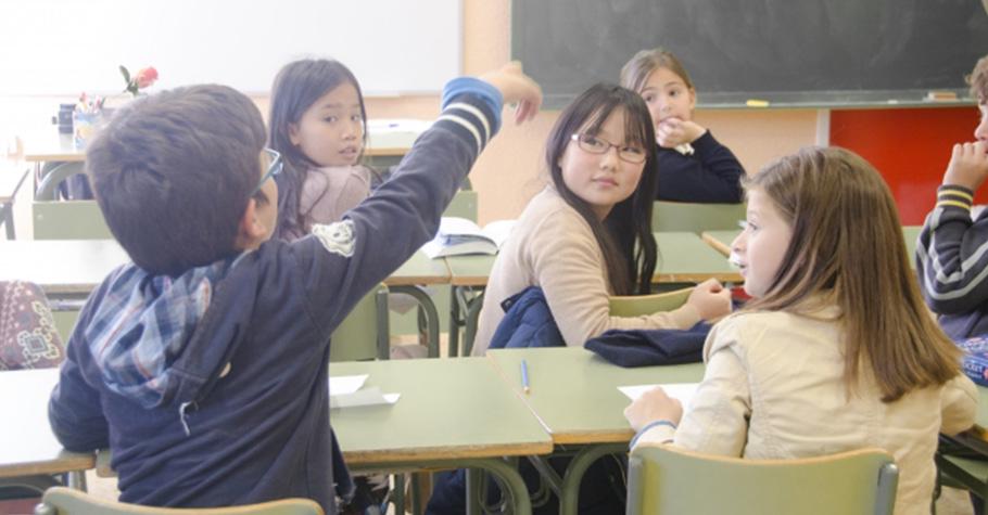 當孩子在學校有被排擠或霸凌等問題,父母不是直接衝到學校,而是幫助孩子找到方法,正向面對解決問題