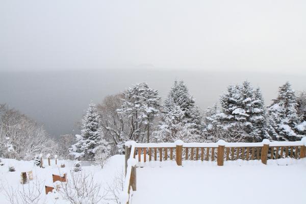 【梁旅珠專欄】入住北海道溫泉名宿 靜賞粉雪飄落的優雅