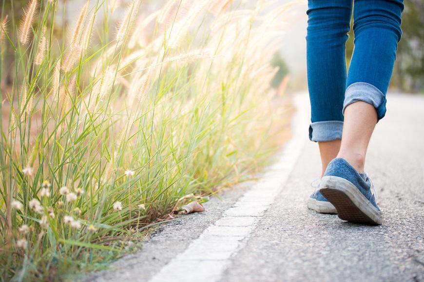 容易腳麻、腰痛、走不久?一張表評估「椎間盤退化」何時該就醫