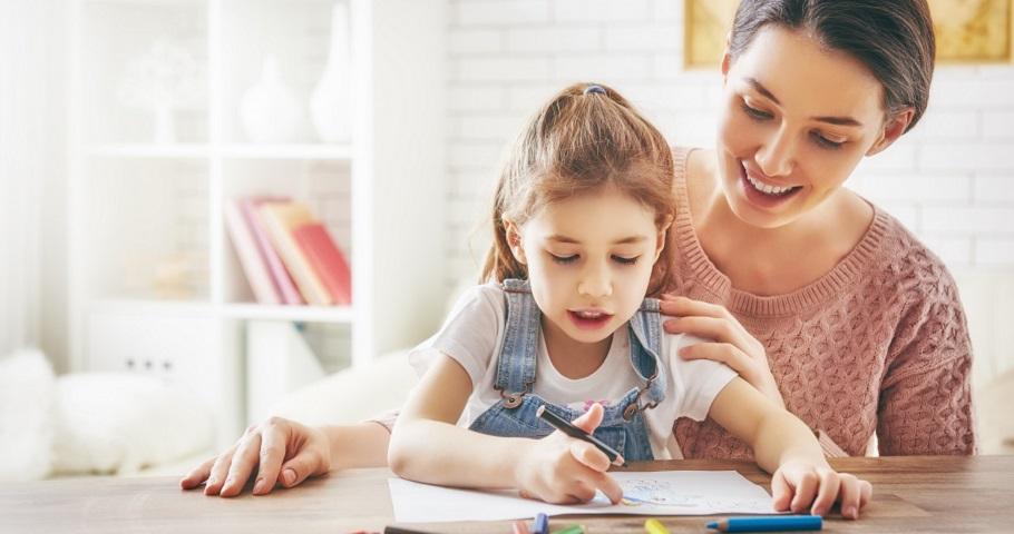 線上教學在即〉孩子在家學,父母如何不焦慮生氣?綠豆粉圓爸:父母不用逼自己變成第二個老師
