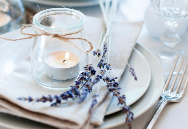 緞帶、蠟燭、小餐車!在家招待親友,怎麼布置出高級感?