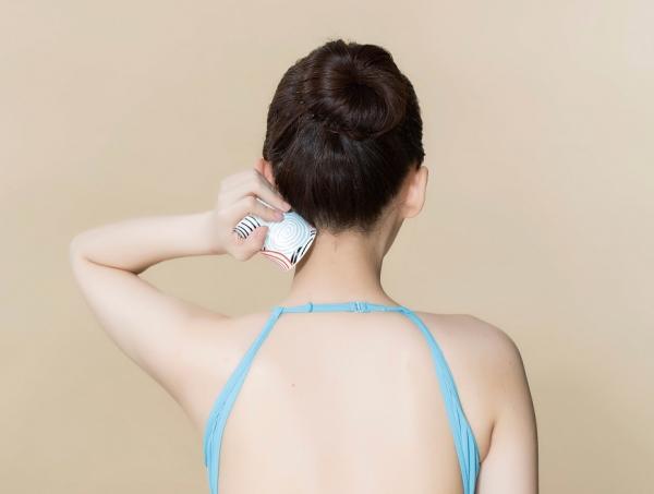 法令紋、額頭紋、眉頭紋怎麼變淡?韓系減齡術:改善淋巴循環的7個動作
