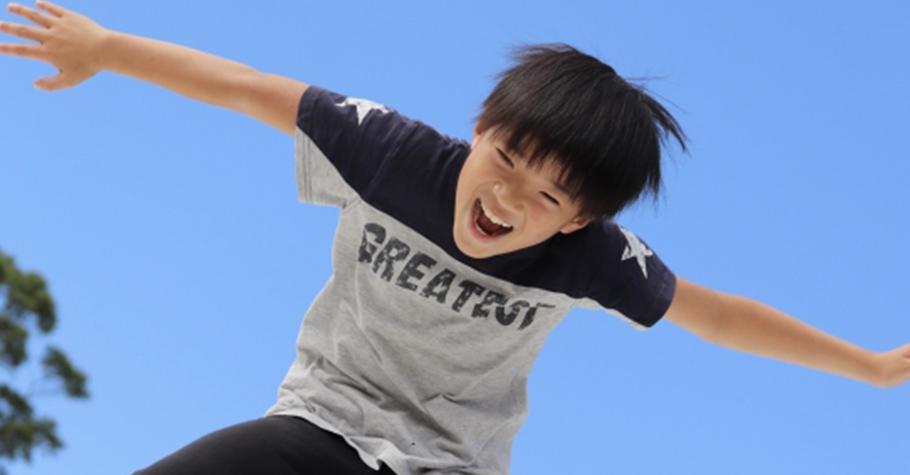 青春期孩子想讓自己像個大人但卻一直闖禍?這就是一種成長歷程,看著孩子「轉大人」在父母的陪伴下茁壯...