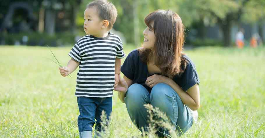 不與人比較,經常由衷讚賞孩子,是提升孩子自我肯定感的基礎