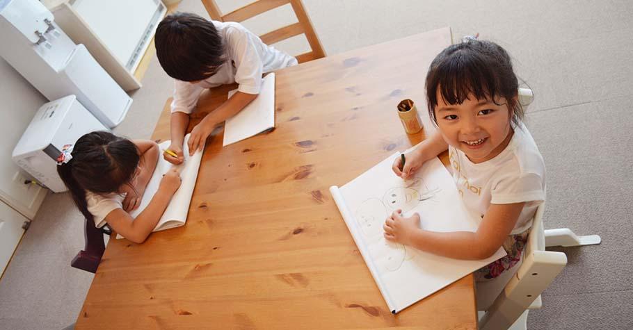 中低年級愛看圖、不看字,但課本文字越來越多怎麼辦?家長選書閱讀可注意這3點