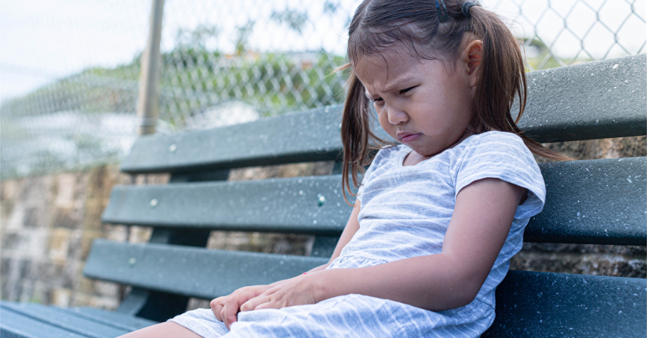 長不高、食慾不好、無法專心、情緒低落,都可能因為「睡眠不足」!怎麼知道孩子睡眠亮起紅燈?中西醫共同解答
