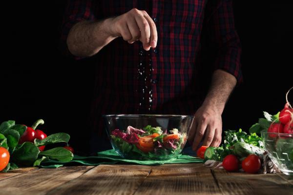 預防高血壓或癌症,應該「換鹽」而非「減鹽」!