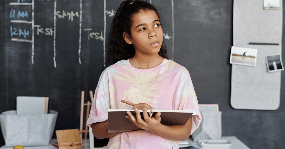 別讓規則綁架孩子變得不知變通,英國寶大師韓第:好的教育應鼓勵孩子從小練習適度懷疑