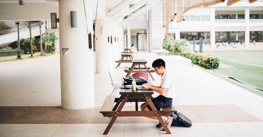 2020年台灣學生網路霸凌現況調查》每2位兒少就有1位曾涉入網路霸凌,以批評、辱罵、嘲笑居多
