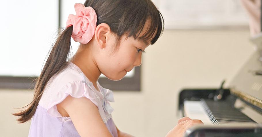 從小父母悉心照顧、凡事為她規劃;為什麼長大後她卻感到連呼吸都須用盡力氣?
