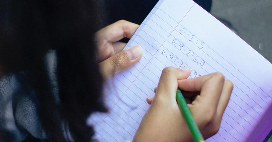 「有智慧型手機,為什麼還要特地用筆記本?」 榜首學霸:用紙本記事這段過程改變了我的未來