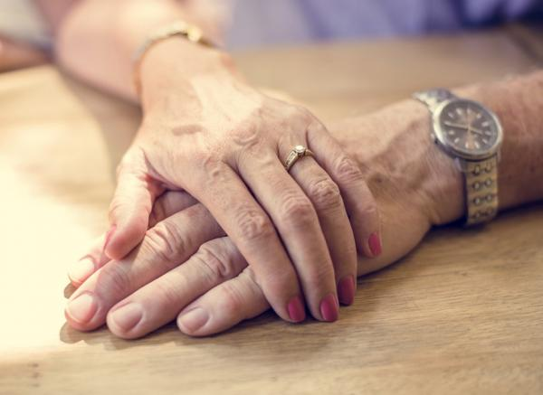 【林靜芸專欄】熟年夫妻如何重新定位?對方的老與弱點,你怎麼看?