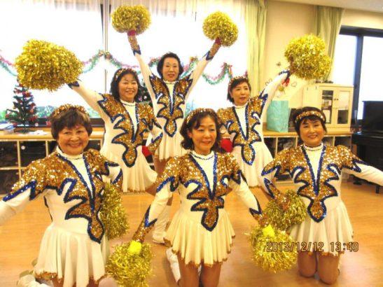 不管幾歲都想閃亮登台,日本70歲的女子啦啦隊Japan Pom Pom