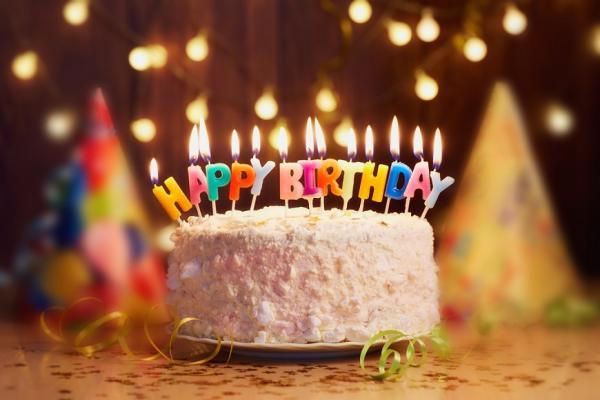 【丁菱娟專欄】50後生日更要慶祝!人生辛苦,那就為自己舉杯