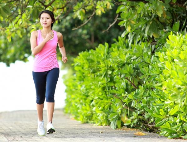 每天走7500步降低死亡率!醫師:最短時間內、對健康最有效的5種運動