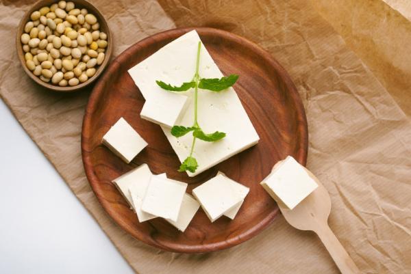 讓皮膚變膨又飽水,該怎麼吃?營養師的膠原蛋白飲食法:5重點養出彈力肌