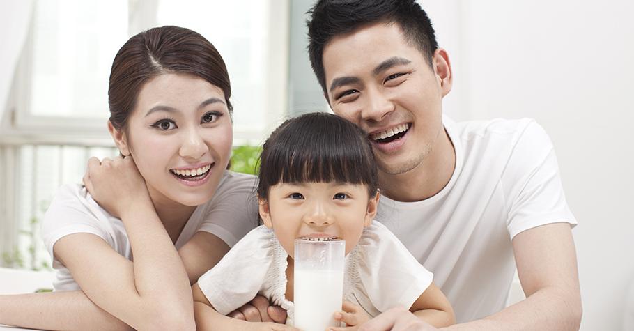 帶著孩子一起「以愛灌鈣」,從過程中學習「分享」與「同理」