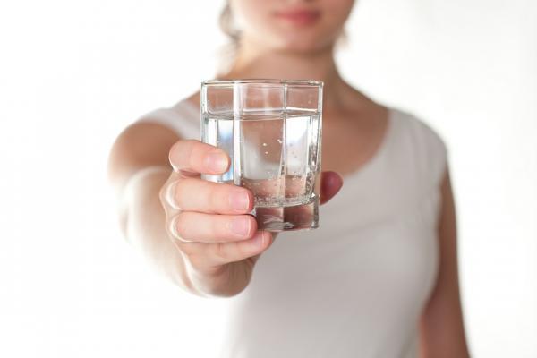 時常口乾、眼乾?女性45歲後,小心是免疫系統的「乾燥症」