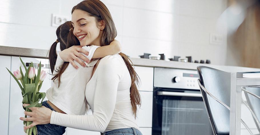 成為父母 伴隨而來的是身份學習,但要懂得適時切換回你自己,對整個家反而一舉兩得—— 回歸自我的6個放鬆練習