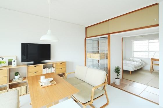 兩列廚房02 創造縫隙的收納空間